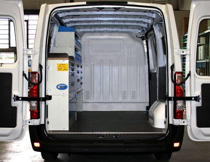 amenagement vehicules utilitaires renault master 2010 l1 h1 02c imprimer photos. Black Bedroom Furniture Sets. Home Design Ideas